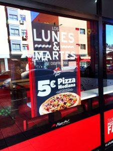 Pizza-Hut-rotulacion-promocional-7