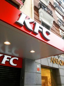 Rotulación exterior KFC Goya