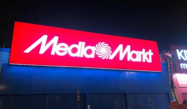 Rotulación corportiva para Media Markt